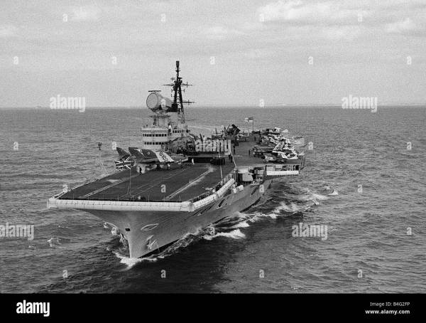 Royal Navy Aircraft Carrier Hms Victorious August 1959 - Year of