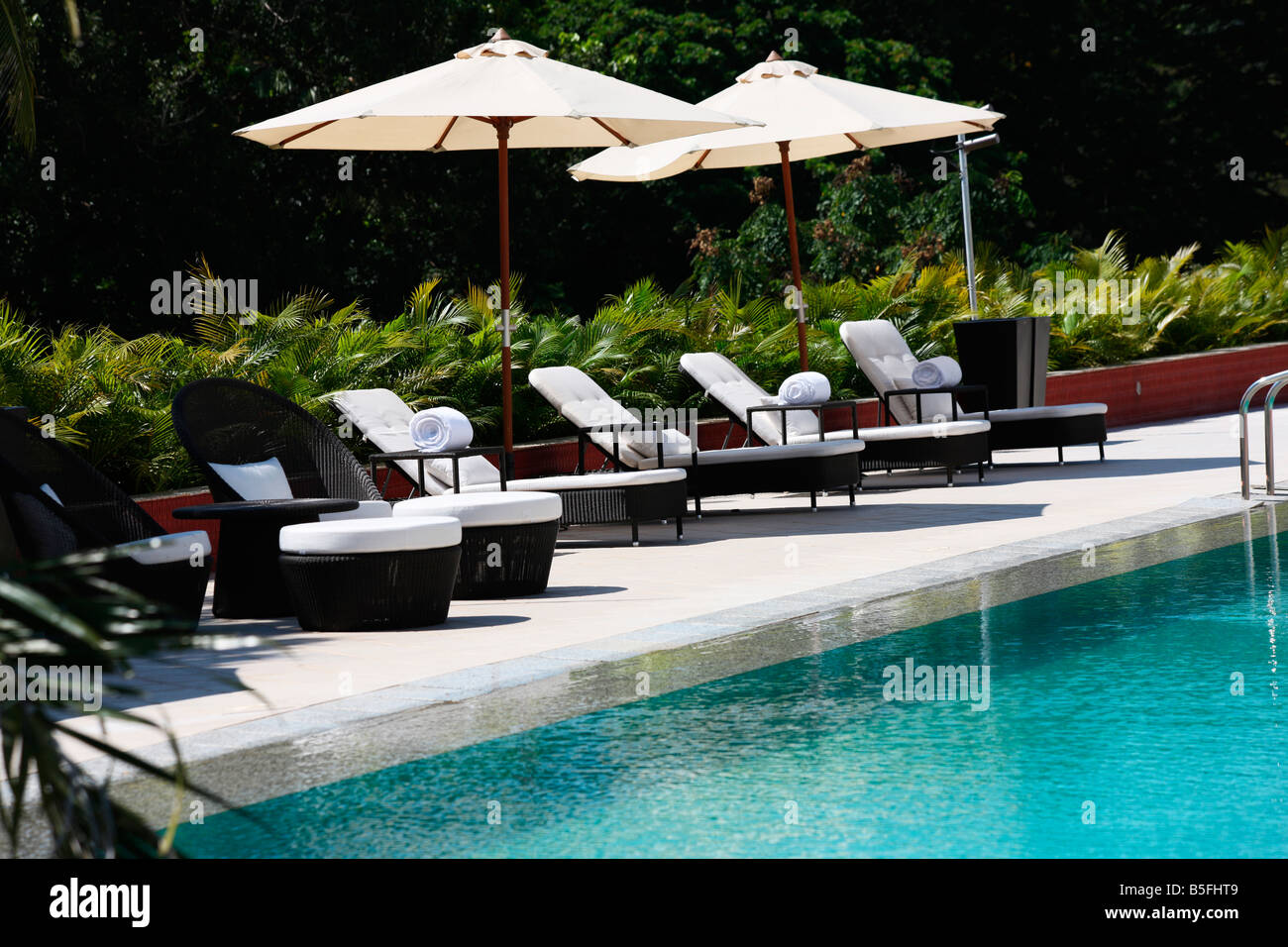 Pool Deck Chairs Swimming Pool With Deck Chairs In A Five Star Hotel In