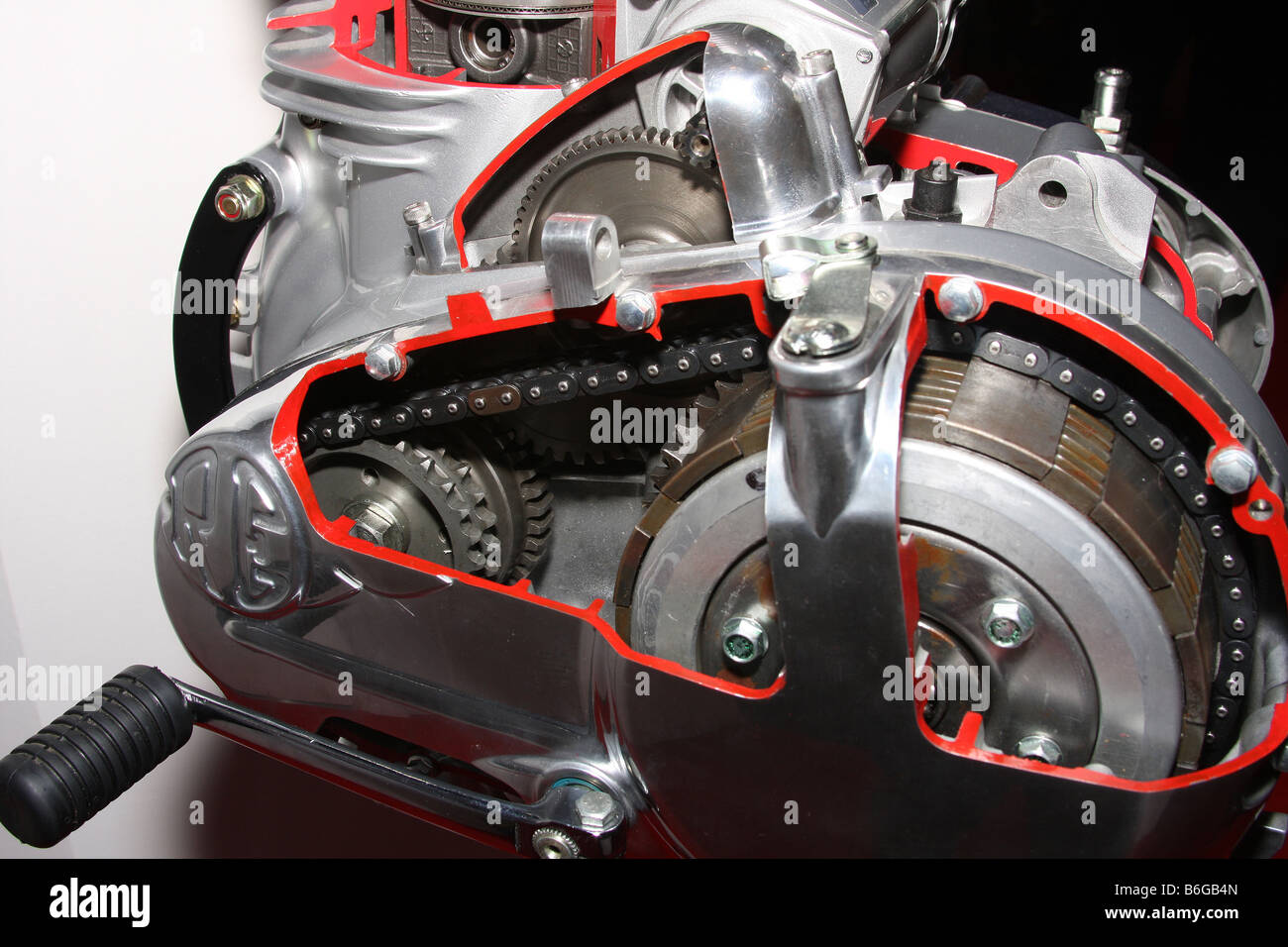 hight resolution of cut away view of clutch gearbox and change arm on modern motorcycle engine