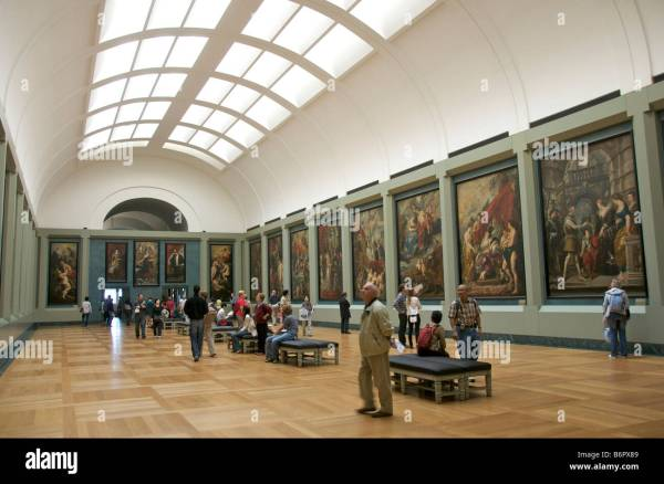 Louvre Paris France - Interior Of Art Galleries Stock Royalty Free