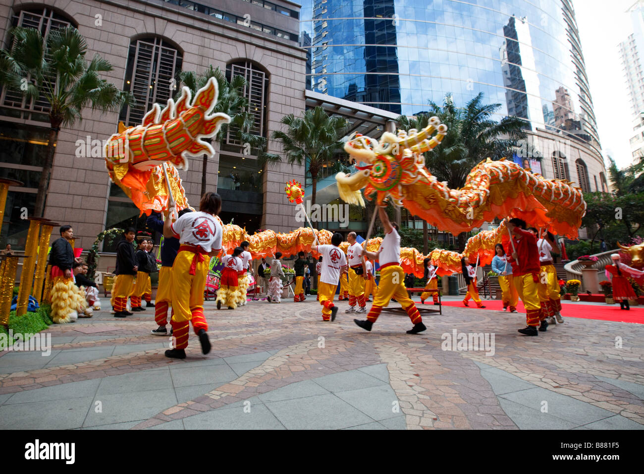 chinese dragon dance to