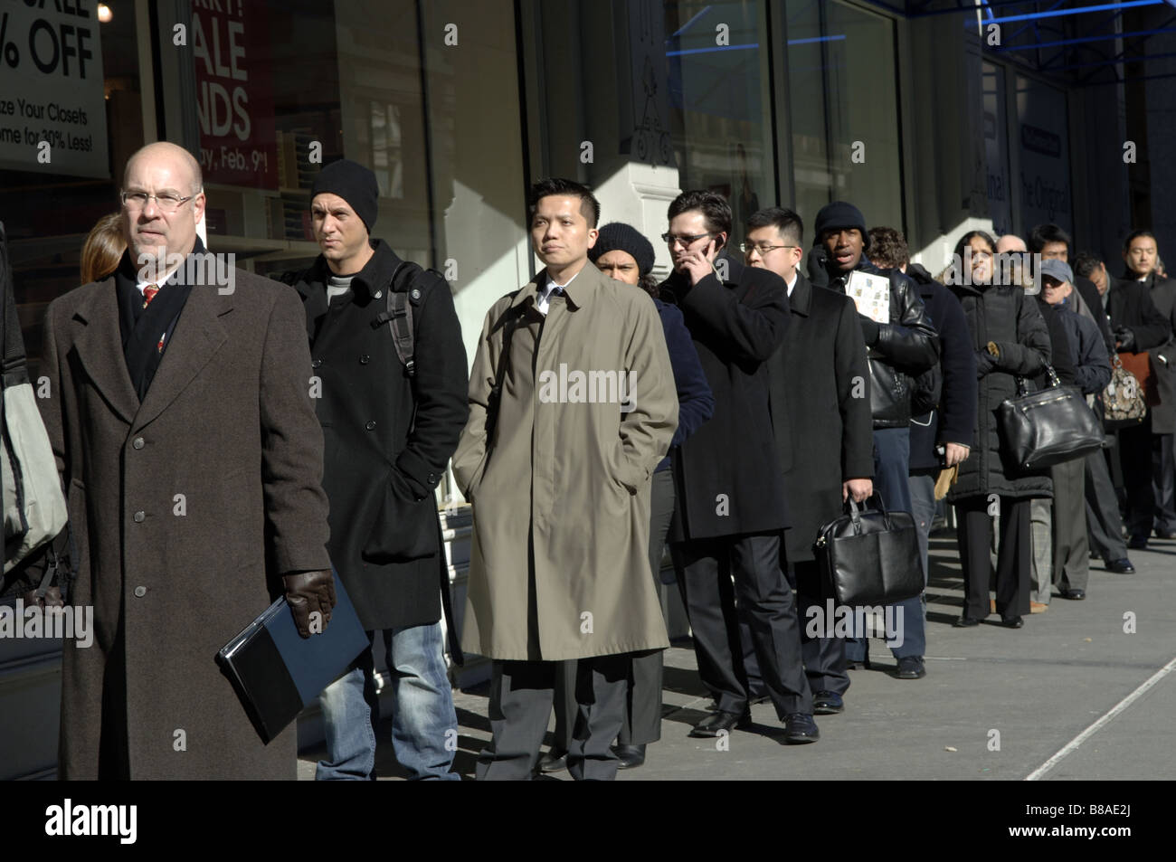 Hundreds Of People Line Up In New York For A Job Fair Sponsored By The  Website