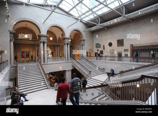 Art Institute Of Chicago Illinois Grand Staircase