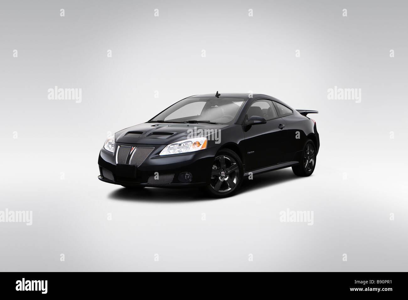 hight resolution of 2009 pontiac g6 gxp in black front angle view