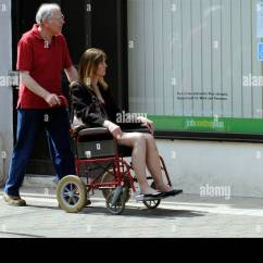Wheelchair Jobs Cb2 Desk Chair Job Centre Disabled Woman In Visiting With Her