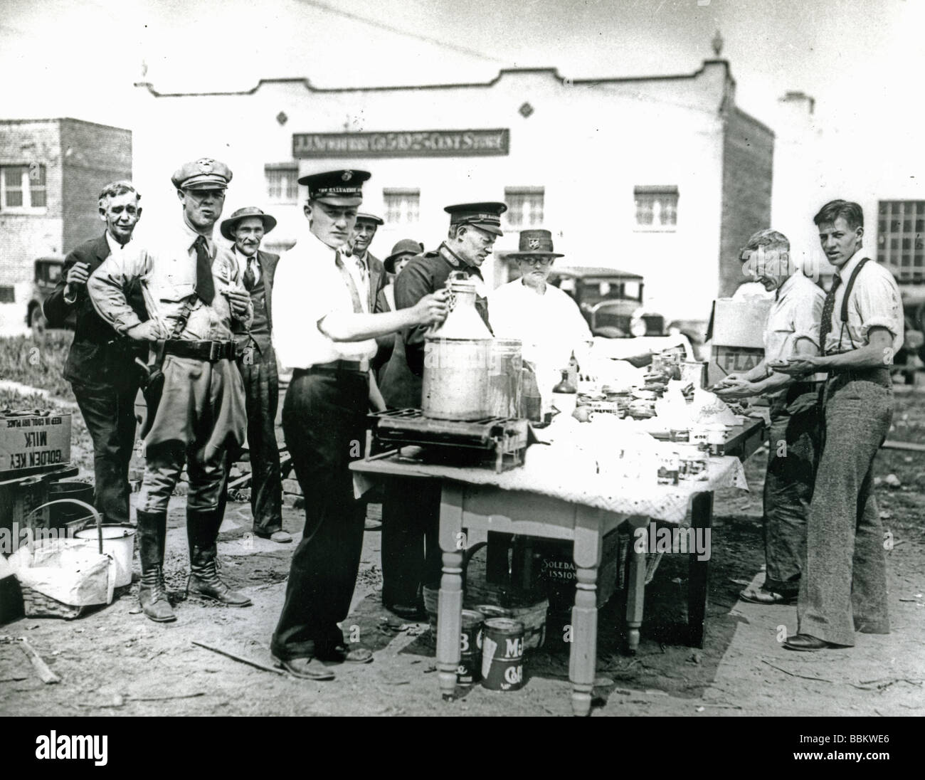 THE GREAT DEPRESSION  a Salvation Army soup kitchen in
