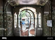 Entrance Hector Guimard Castel Beranger