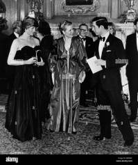 Prince Charles and Princess Diana at black tie event Stock ...