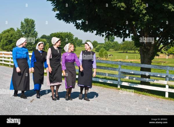 Lancaster Pennsylvania Amish Woman
