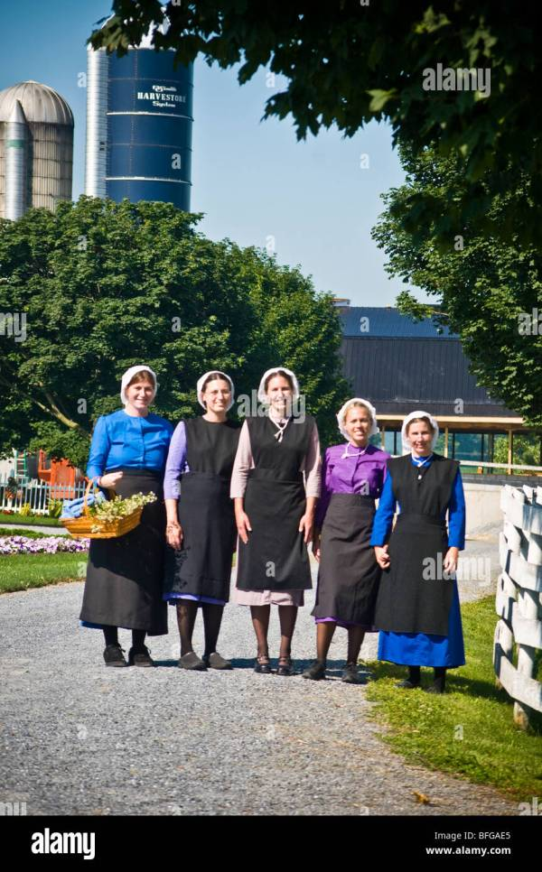 Lancaster Pennsylvania Amish Women