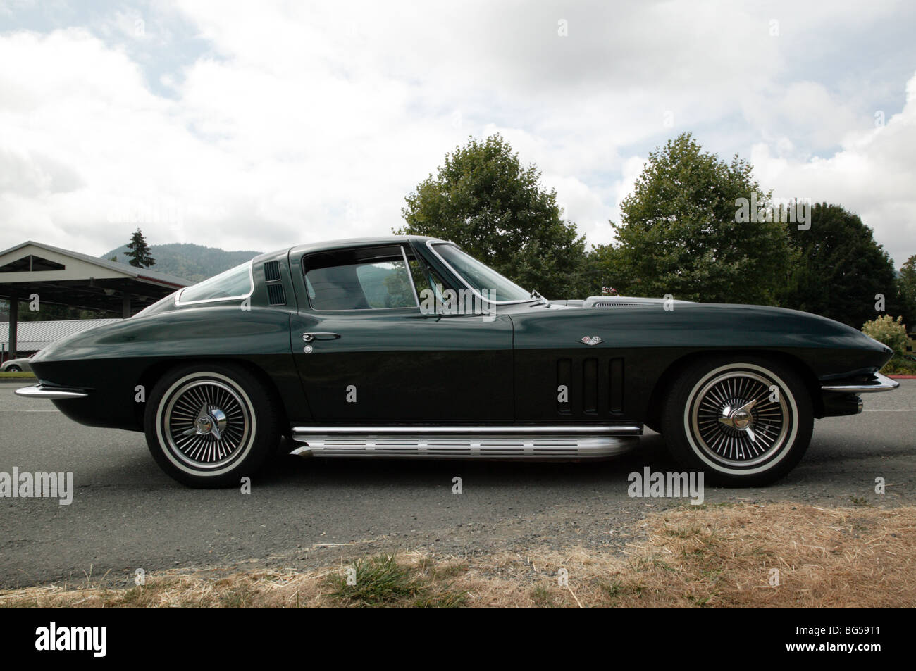 https www alamy com stock photo second generation 1965 corvette sting ray fuel injected roadster 27162353 html