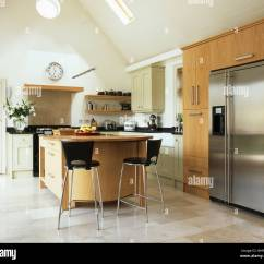 Stainless Steel Kitchen Island Cart Short Wall Cabinets Metal Stools At Breakfast Bar On Unit In Modern ...