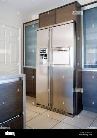 Large American-style stainless-steel fridge-freezer in ...