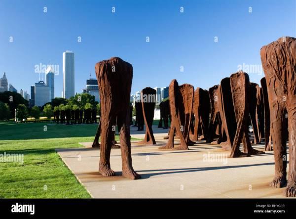 """agora"" Iron Sculptures Magdalena Abakanowicz In Grant"