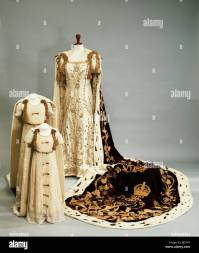 Coronation dresses and robes worn by the Queen Mother and ...