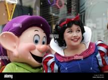Dopey & Snow White Disneyland Star Hollywood