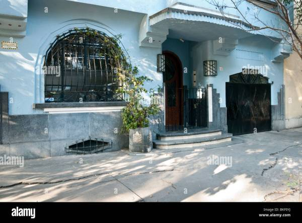 Ground Floor Facade Of Beautifully Detailed Blue Stucco Art Deco Stock Royalty Free