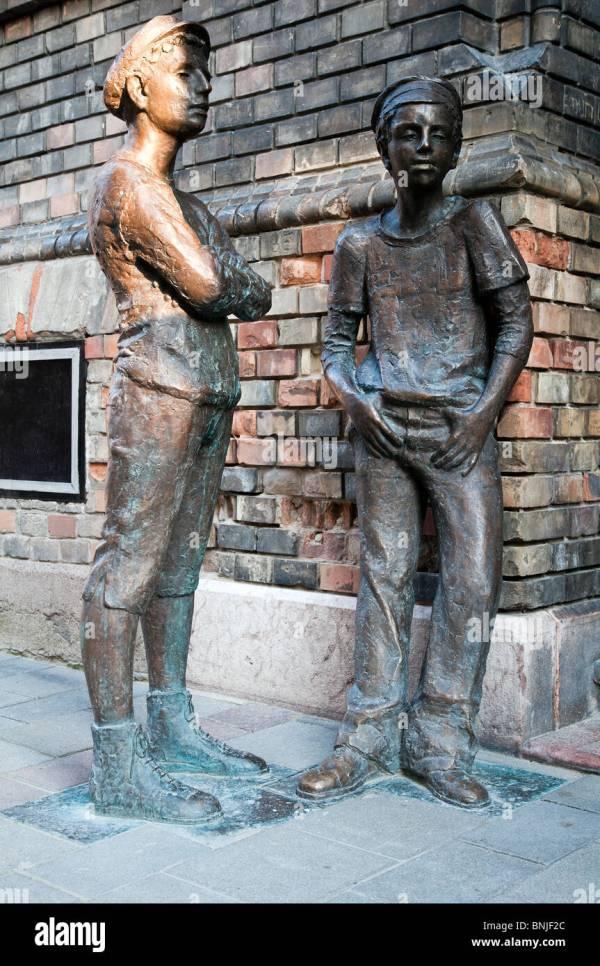 Paul Street Boys Sculpture Budapest Hungary Stock Royalty Free 30525108 - Alamy