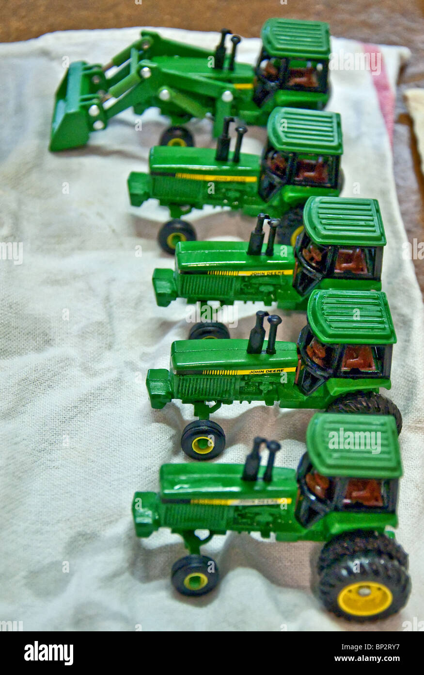 Vintage John Deere Toy Tractors : vintage, deere, tractors, Green, Deere, Vintage, Tractors, Being, Prepped, Stock, Photo, Alamy