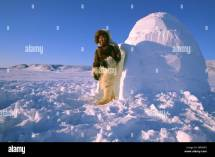 Inuit Igloo Stock & - Alamy
