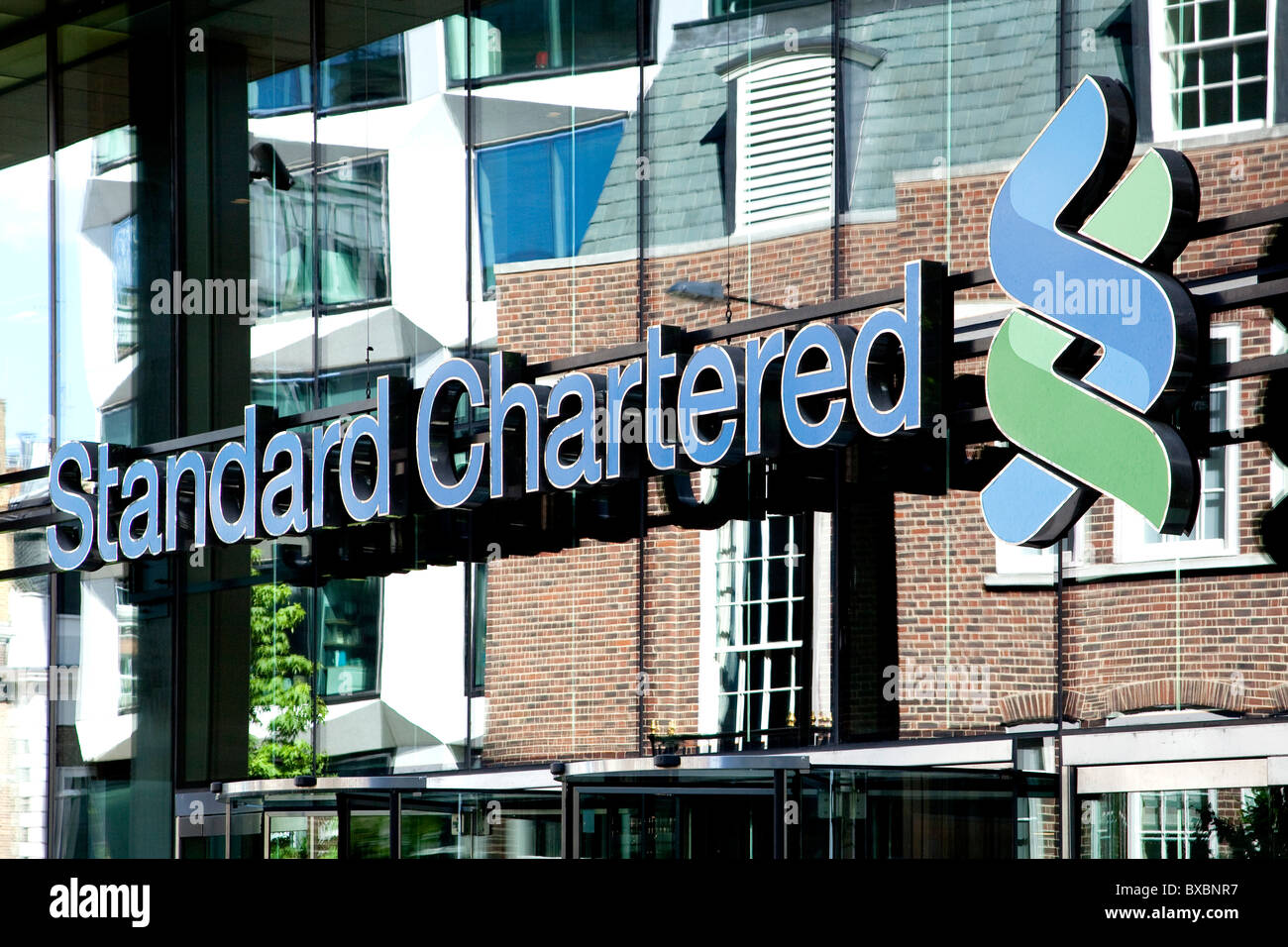 Headquarters of the Standard Chartered Bank in London, England Stock Photo - Alamy