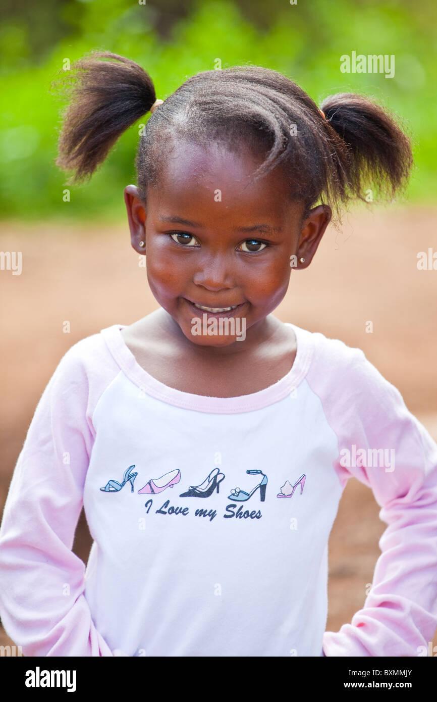 Young Girl In Nairobi Kenya Stock Photo 33646675 Alamy