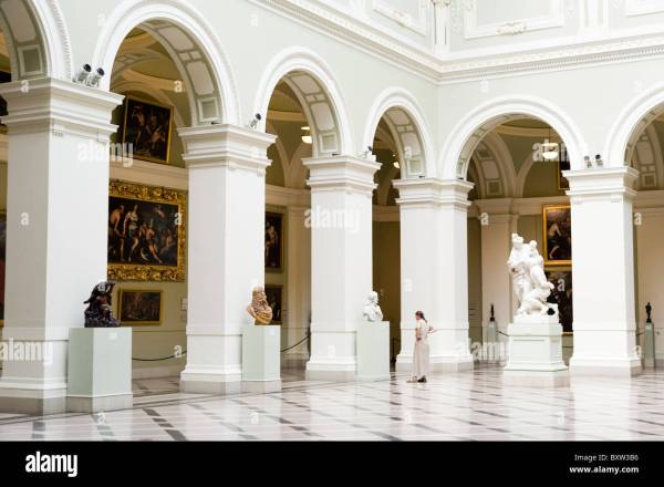 Museum Of Fine Arts Budapest Stock &