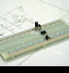 an electronic breadboard with components matching the circuit diagram [ 1300 x 956 Pixel ]