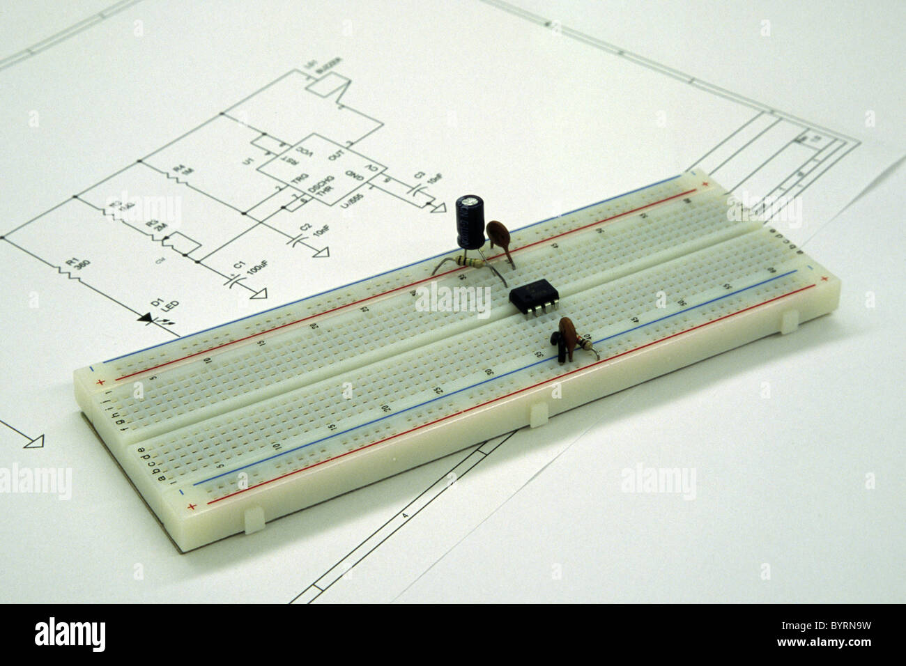 hight resolution of an electronic breadboard with components matching the circuit diagram