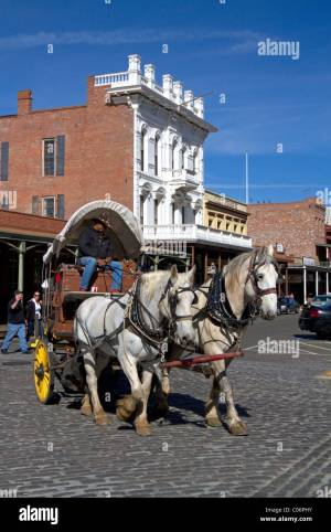 Old Horse Drawn Wagon Stock Photos & Old Horse Drawn Wagon ...