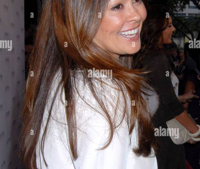 Brooke Burke Hot Moms Club Celebrate The Release Of The Hot Mom To Be Handbook Womb With A View By Jessica Denay At A Pea