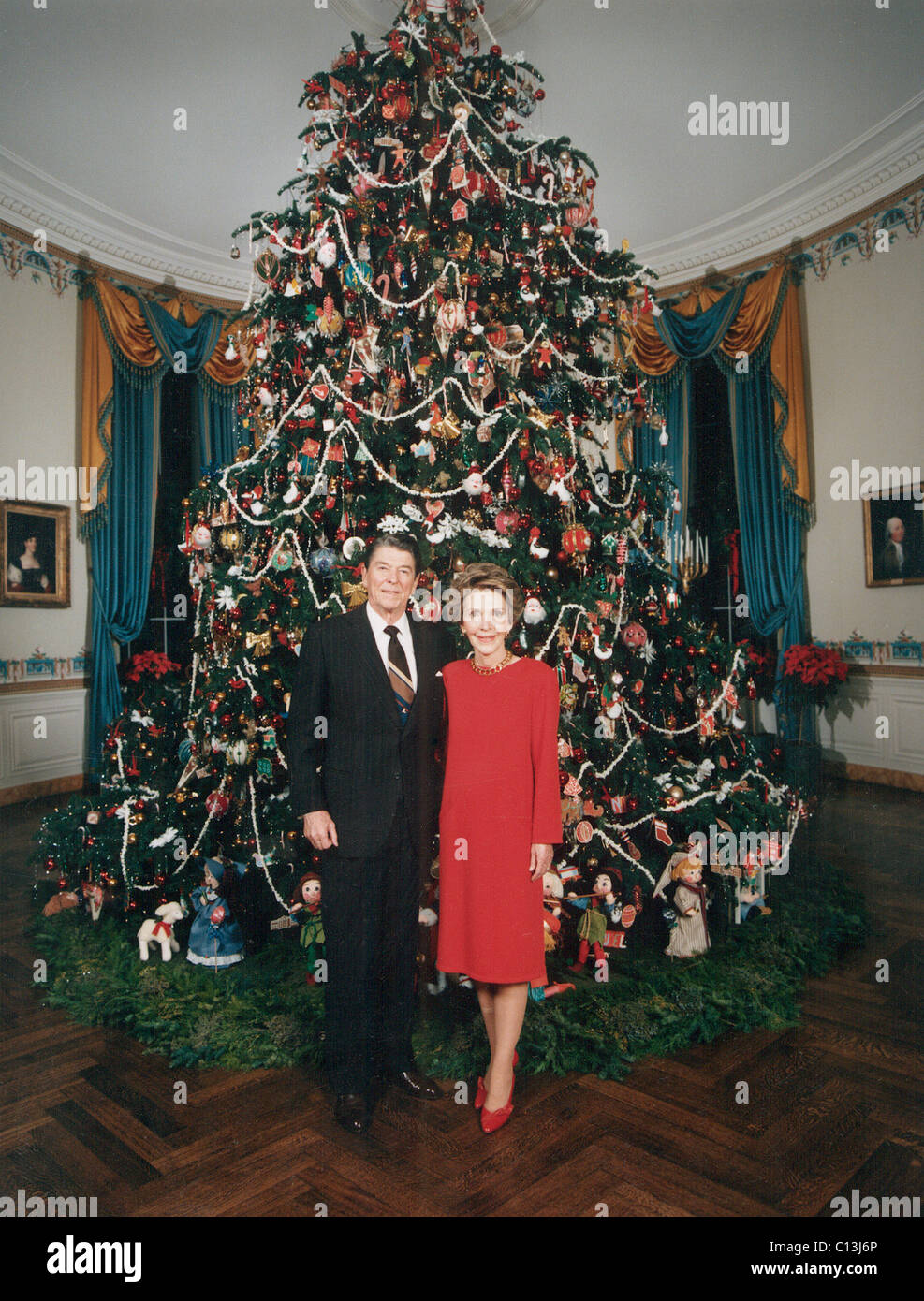 President Ronald Reagan First Lady Nancy Reagan In Front