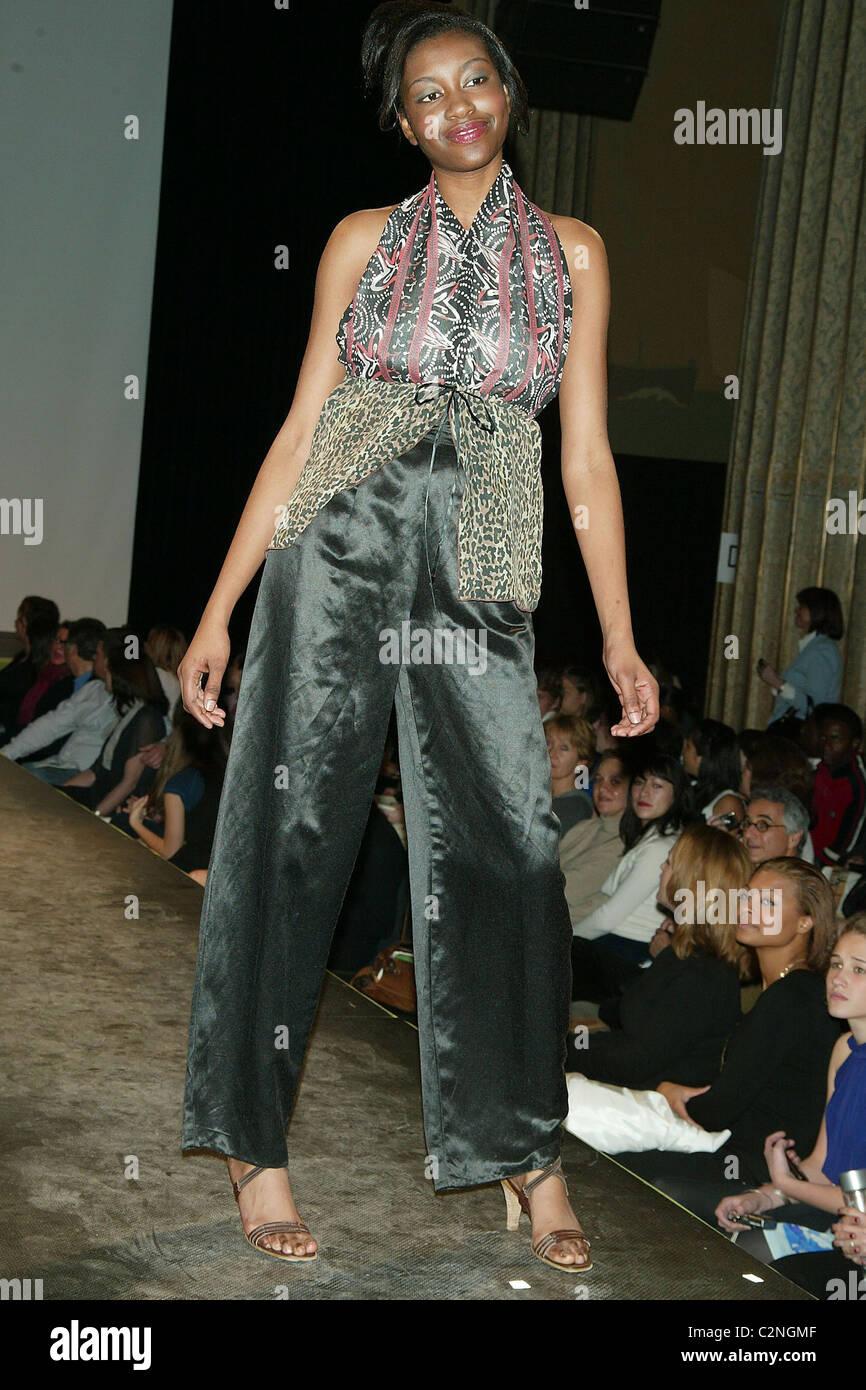 Broad Street Show : broad, street, Model, Turning, Green:, Eco-conscious, Fashion, Green, Stock, Photo, Alamy