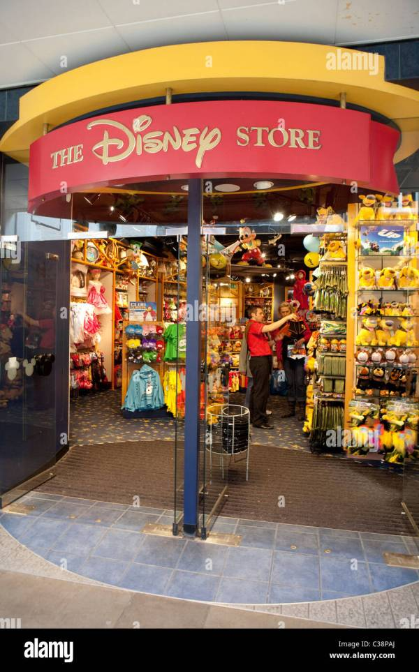 Exterior Of Disney Store Stock 36457866 - Alamy