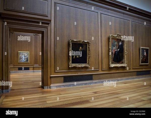Fine-art Paintings Hang Art Walls Lined In