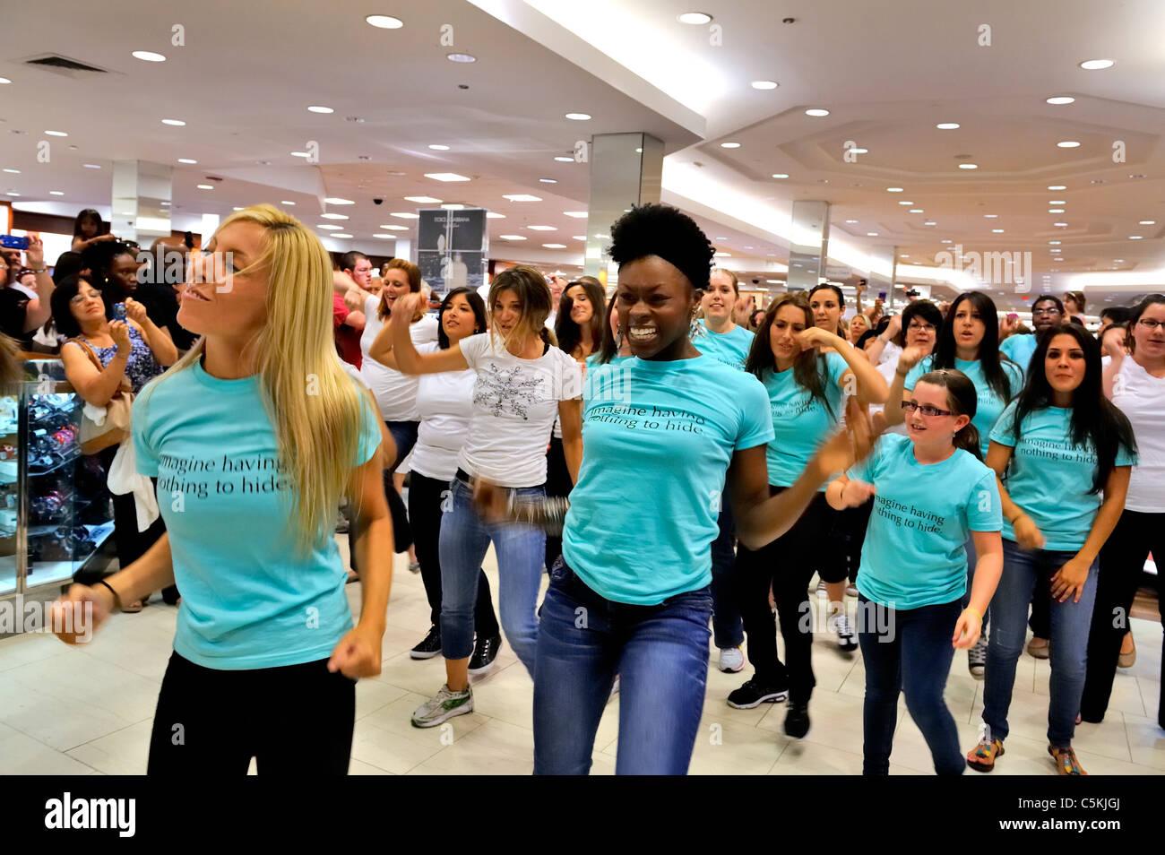 New York Flash Mob Mall