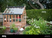 Brand new cute small greenhouse in a private Garden in ...