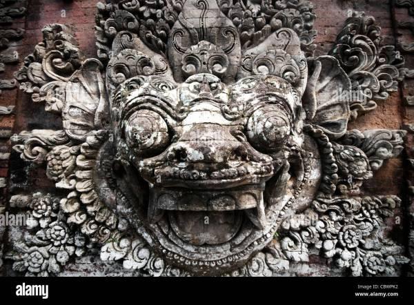 Bali Garuda Statue Stock & - Alamy