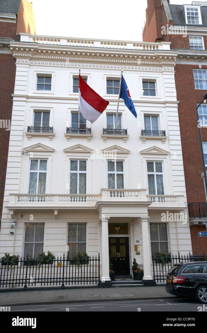 The Indonesian Embassy Grosvenor Square London England Uk United Stock Photo Alamy