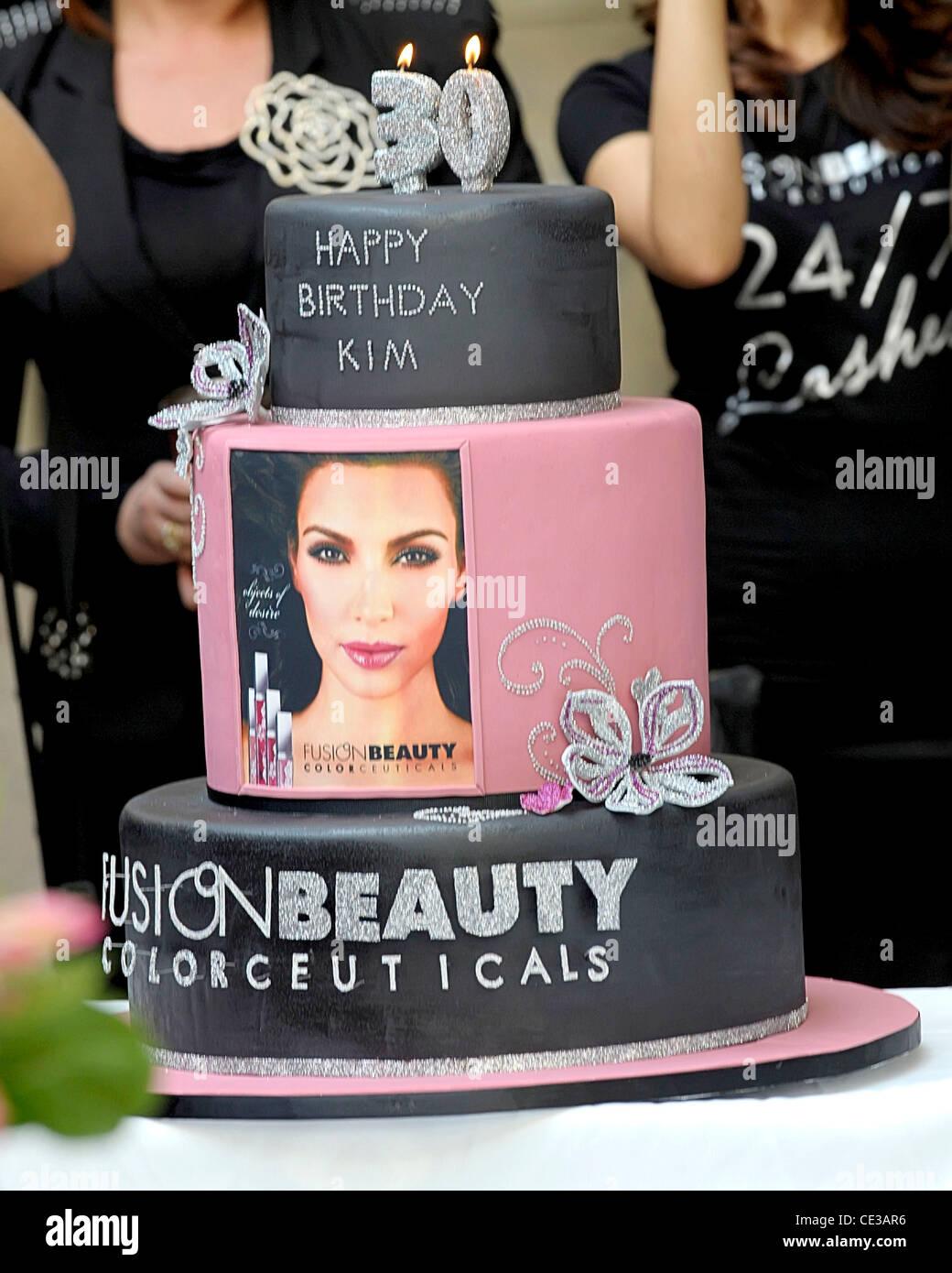 Funny 30th Birthday Cakes For Her : funny, birthday, cakes, Kardashian's, Birthday, Cake,, Presented, During, Stock, Photo, Alamy