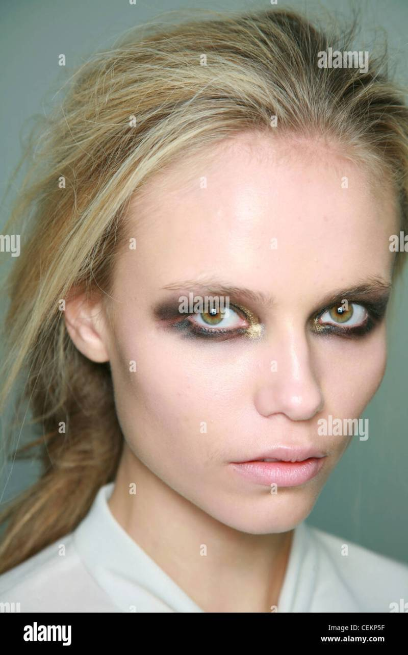 Eye Makeup For Grey Eyes And Blonde Hair Makeupview