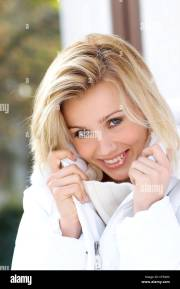 female straight blonde shoulder