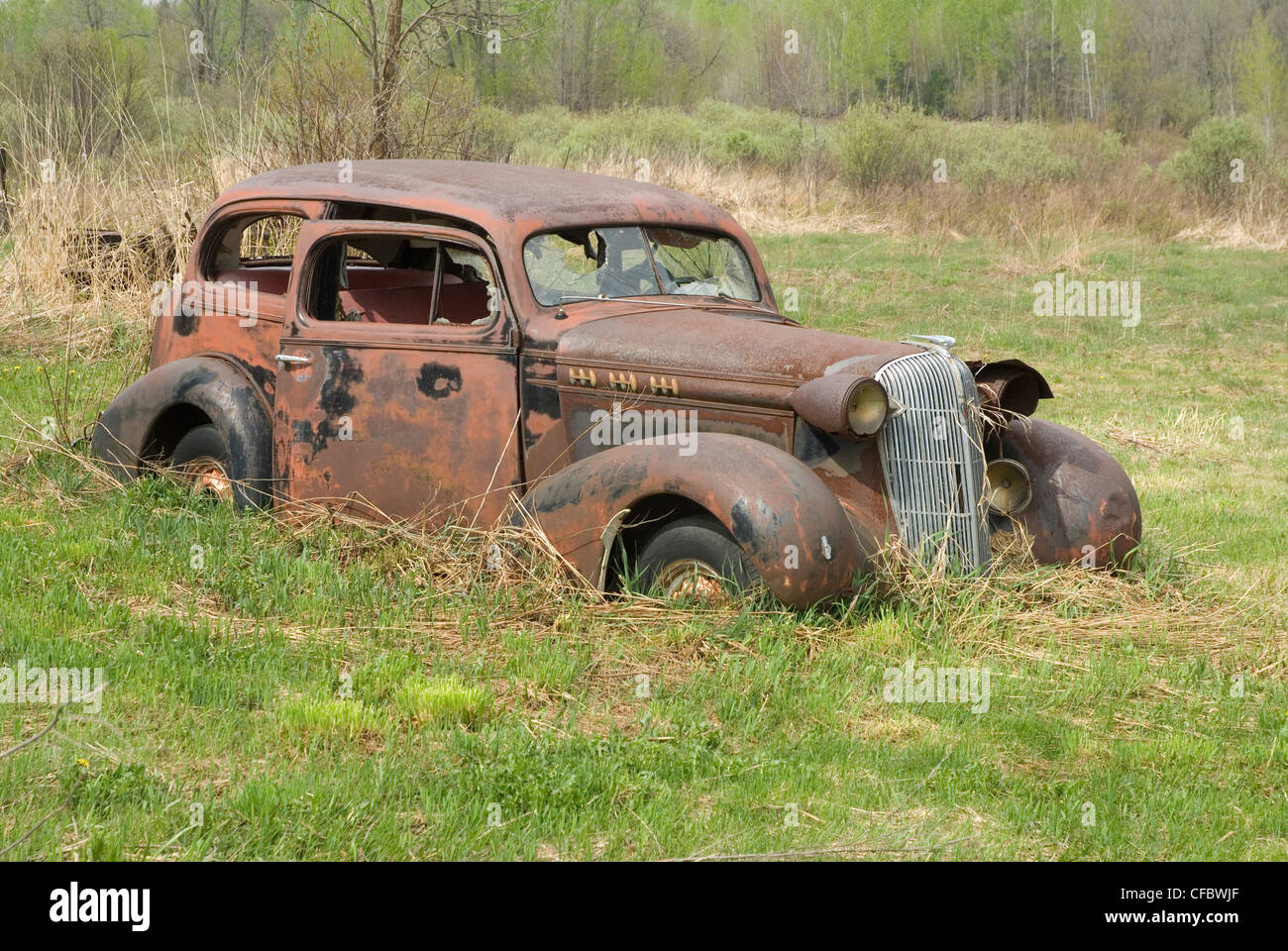 Abandoned Car In Swamp Wallpaper Rusty Old Car Sitting In A Field In Ramara Township