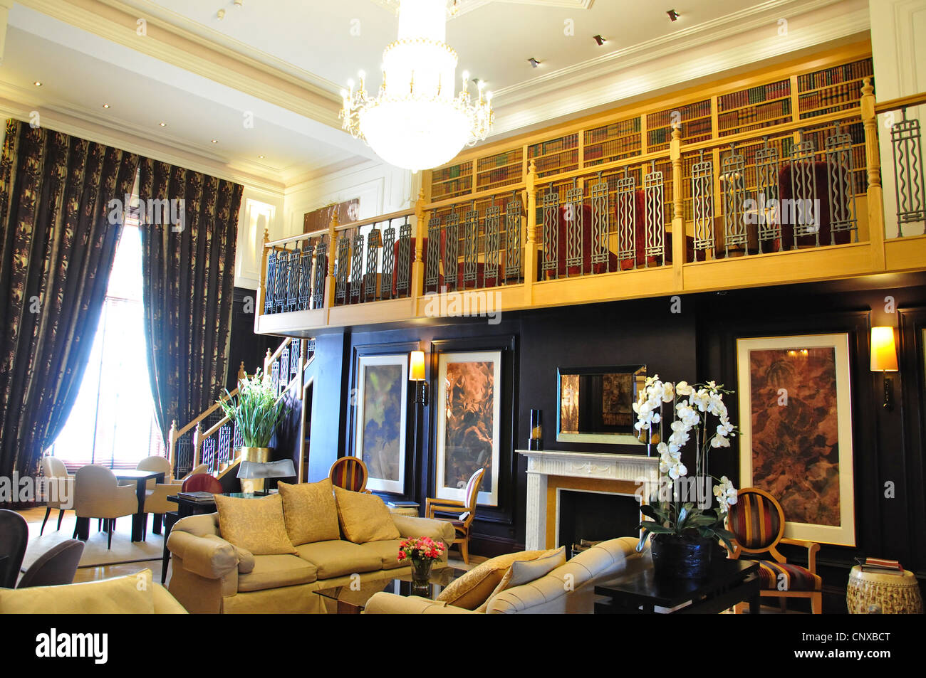 Library Of Cavendish Hotel Grand Parade Eastbourne East