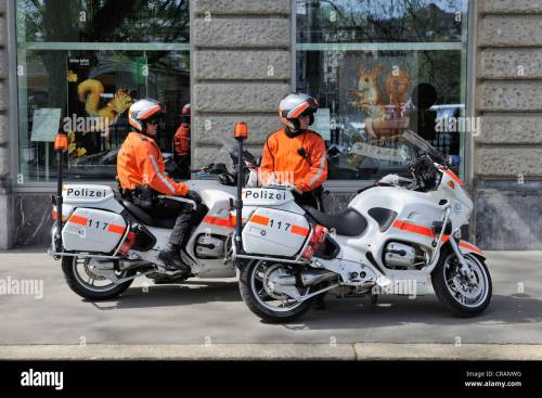 small resolution of policemen with bmw r1150rt motorbikes built in 2003 and 2004 city police of zurich
