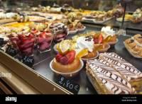 French Bakery Cakes Stock Photos & French Bakery Cakes ...
