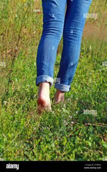 Walking Barefoot Women Jeans