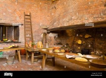 Page 3 Medieval Cooking High Resolution Stock Photography and Images Alamy