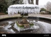 Frozen Fountain at Birmingham Botanical Gardens, Edgbaston ...