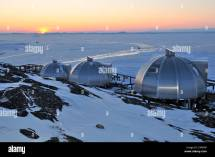 Igloos Stock & - Alamy